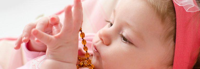 Zahnungshilfen für Babys – sinnvoll, nutzlos oder gar gefährlich?